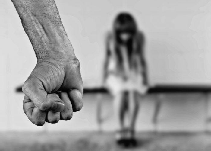 La violenza sui minori: le conseguenze civili sulla responsabilità genitoriale